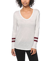 Zine Tila White & Burgundy Long Sleeve V-Neck T-Shirt