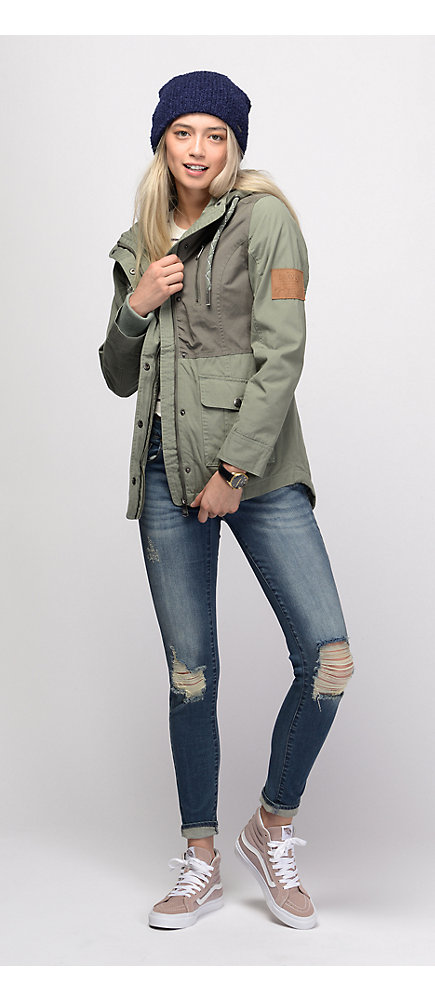 e3a1bb65d5 Outfits 1 Twill Coat and Beanie with Destructed Skinny Jeans and ...