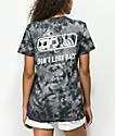 Lurking Class By Sketchy Tank Look Back camiseta tie dye negra