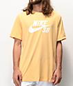 Nike SB Dri-Fit Logo camiseta dorada clara