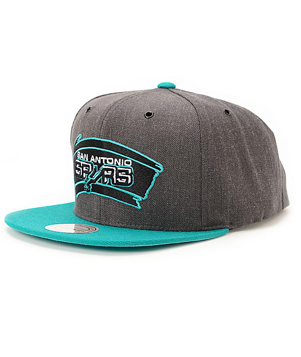 online store e6abd 245f1 NBA Mitchell and Ness Spurs Dark Heather 2 Tone Snapback Hat   Zumiez