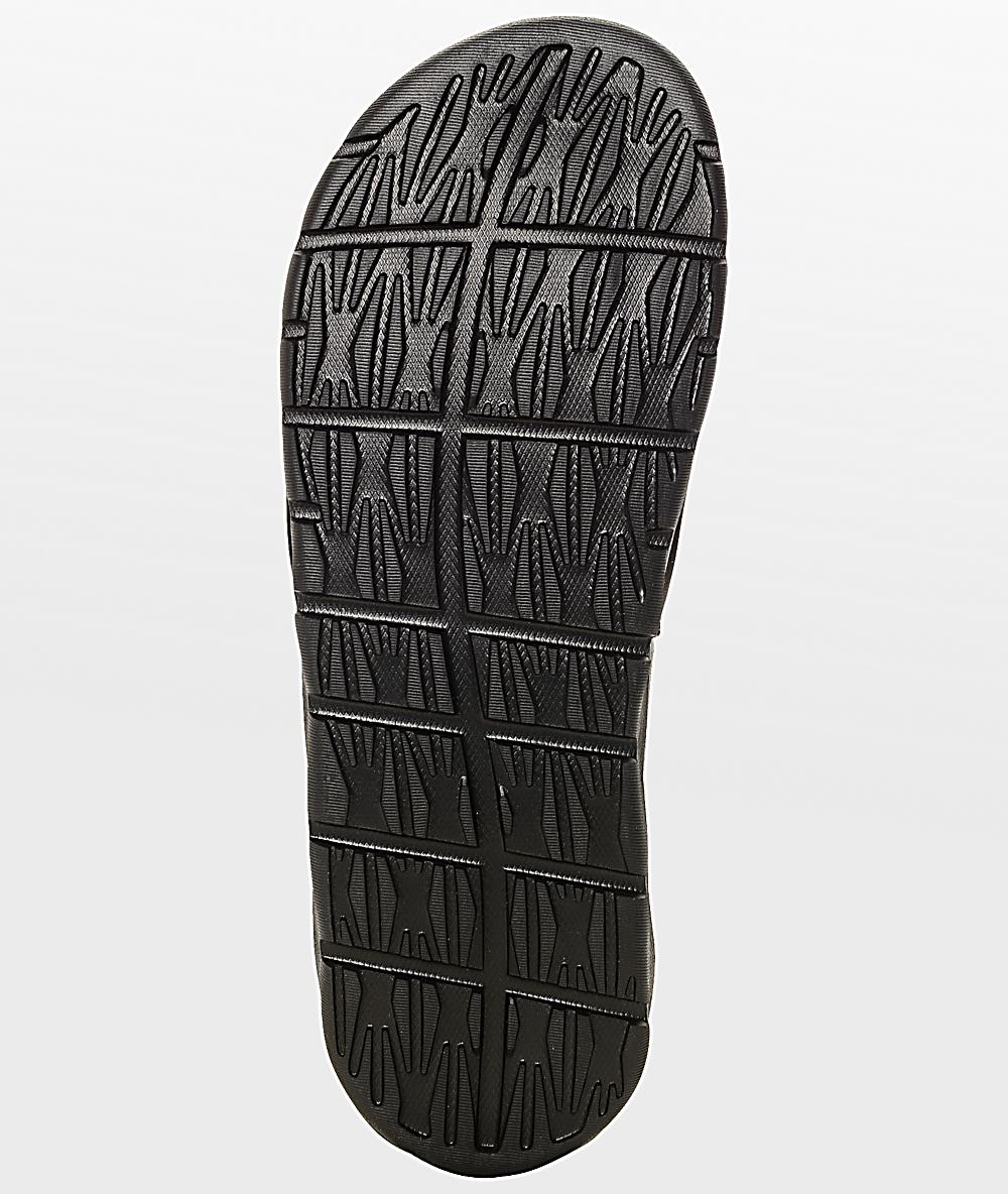 Benassi Sb Solarsoft Blackamp; White Slides Nike DWHEI2Y9