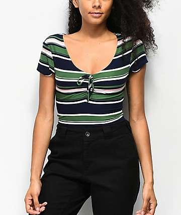 Almost Famous Taylor camiseta fruncida de rayas verde y azul