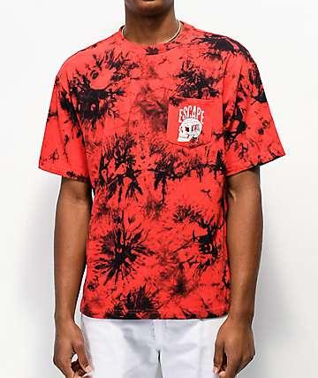 Lurking Class by Sketchy Tank camiseta roja y negra con bolsillo