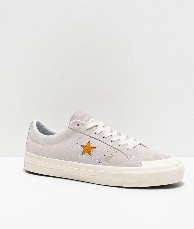 cohete Oxido diferente a  Converse One Star Pro Alexis Sablone Bone & University Gold Skate Shoes |  Zumiez