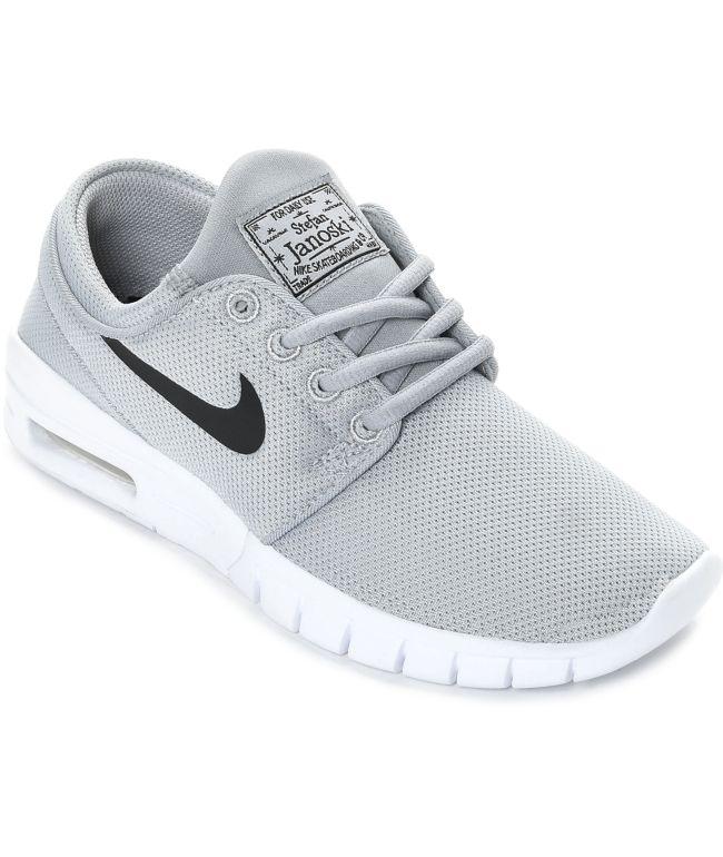 vocal Esquivo Amante  Nike SB Boys Janoski Air Max Wolf Grey & White Skate Shoes | Zumiez.ca