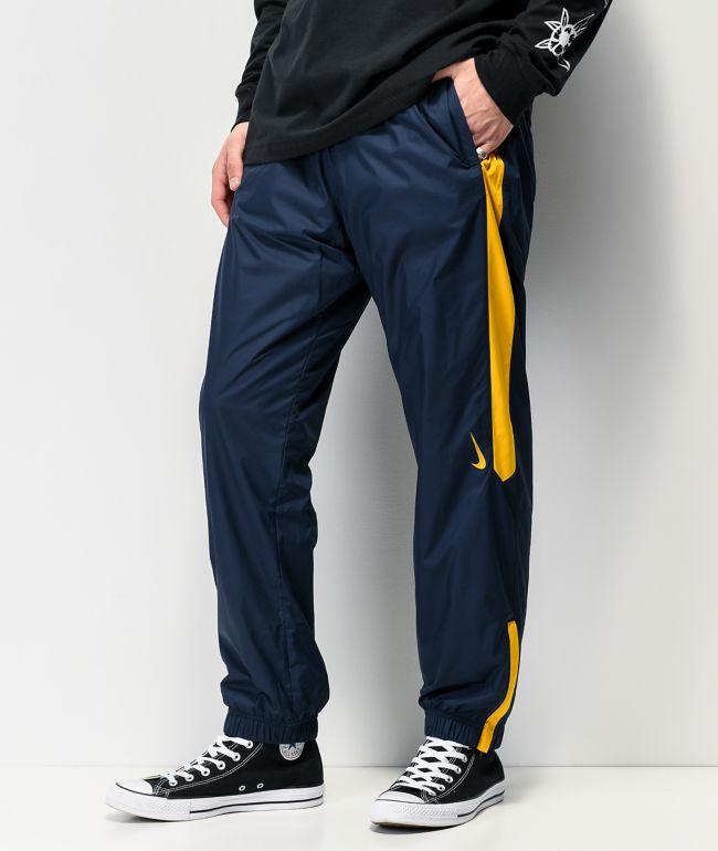 frotis marco meditación  Nike SB Shield Obsidian & Dark Sulfur pantalones de chándal | Zumiez