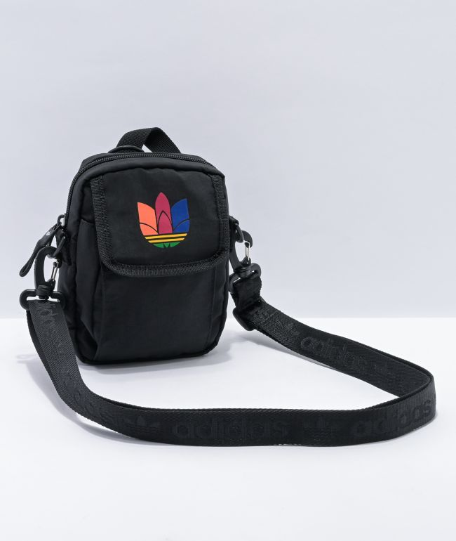 Agarrar embarazada lector  adidas National Olympic Black Shoulder Bag | Zumiez