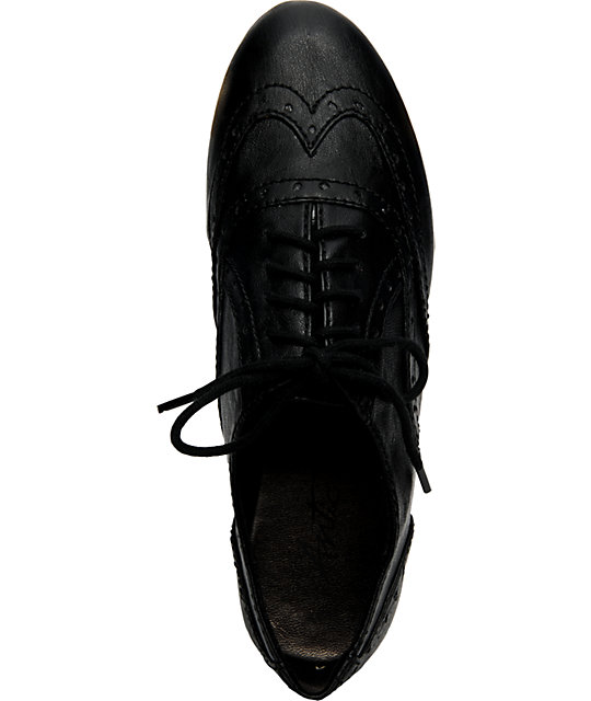 Antic Topaz Black Shoes