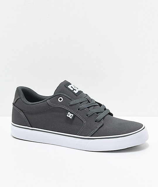 DC Anvil TX Dark Shadow Armor zapatos de skate en gris y blanco