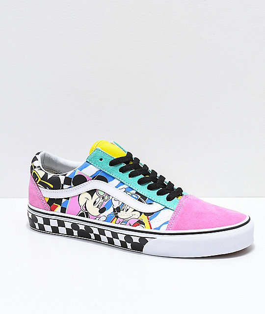 1b0a34604ac82 Disney by Vans Old Skool 80 s Mickey zapatos skate ...