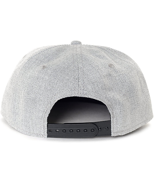 Dravus Brash Heather Grey Snapback Hat
