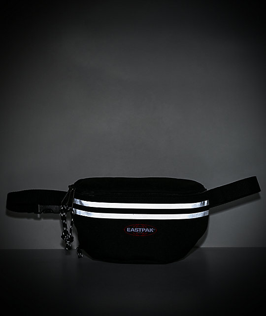 Eastpak Springer riñonera negra reflectante