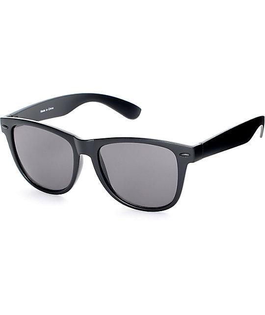 4abc69ac9a7 Empyre Quinn Matte Black Classic Sunglasses