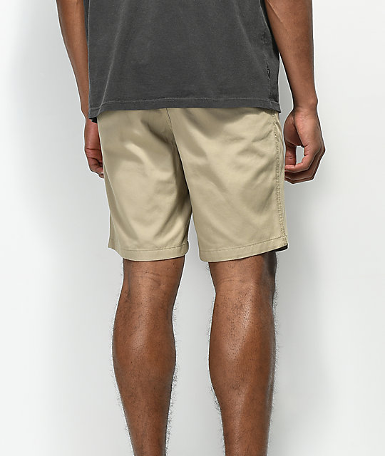 Free World Walkerd shorts chinos en color caqui