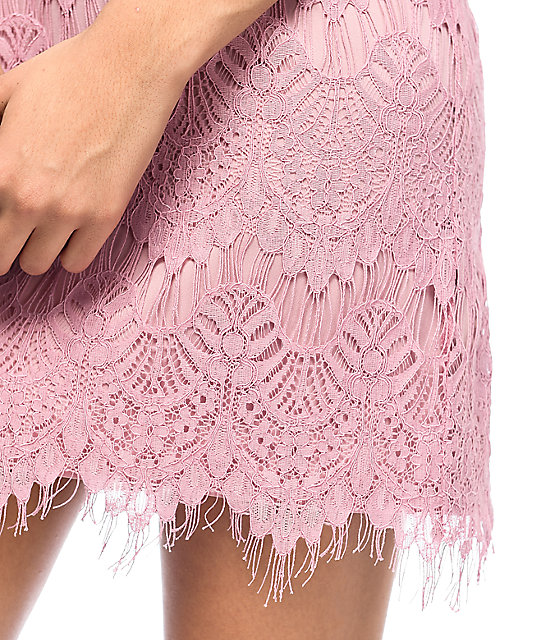 Love, Fire Lilas Mauve Lace Shift Dress