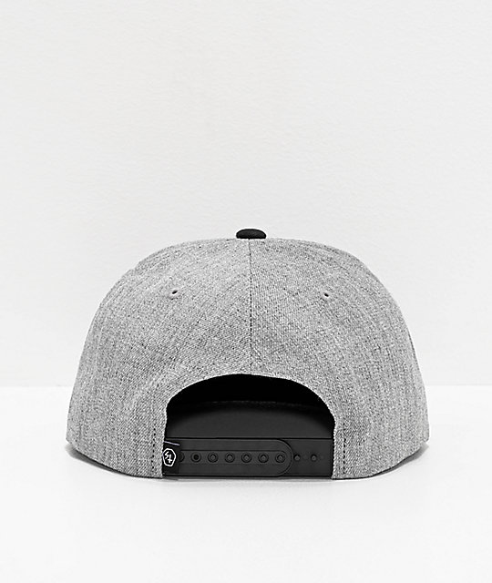 Lurking Class by Sketchy Tank Opinions gorra gris