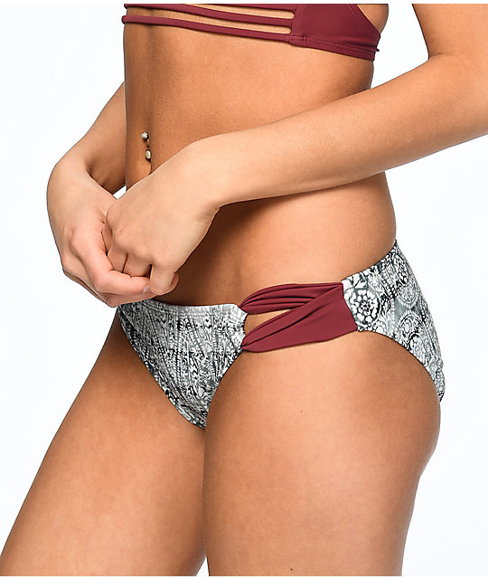 Malibu Gypsy Queen bottom de bikini en colores gris y vino