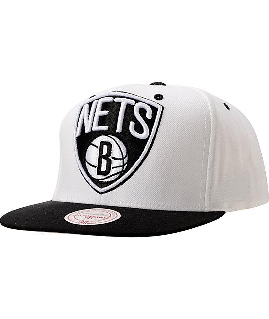 the latest 46052 4ea41 Mitchell And Ness Brooklyn Nets XL Logo White Snapback   Zumiez