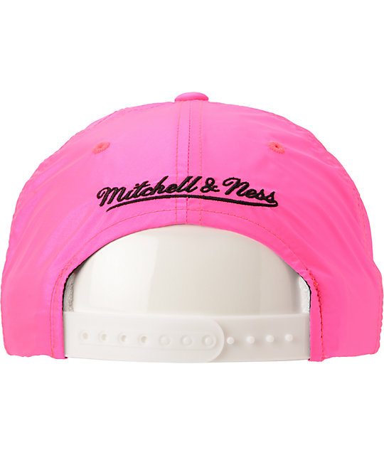 NBA Mitchell And Ness Chicago Bulls Neon Pink Snapback Hat