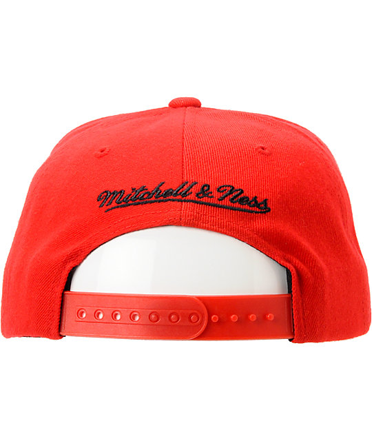 NBA Mitchell And Ness Chicago Bulls Red Arch Snapback