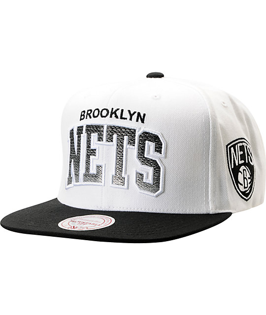 NBA Mitchell and Ness Brooklyn Nets Gradient Arch White Snapback Hat