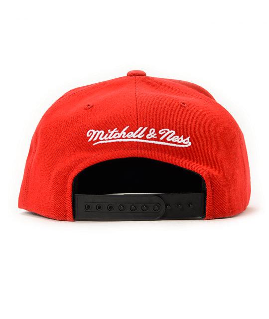 47b3c4475e4 ... NBA Mitchell and Ness Bulls 1997 Finals Red Snapback Hat ...