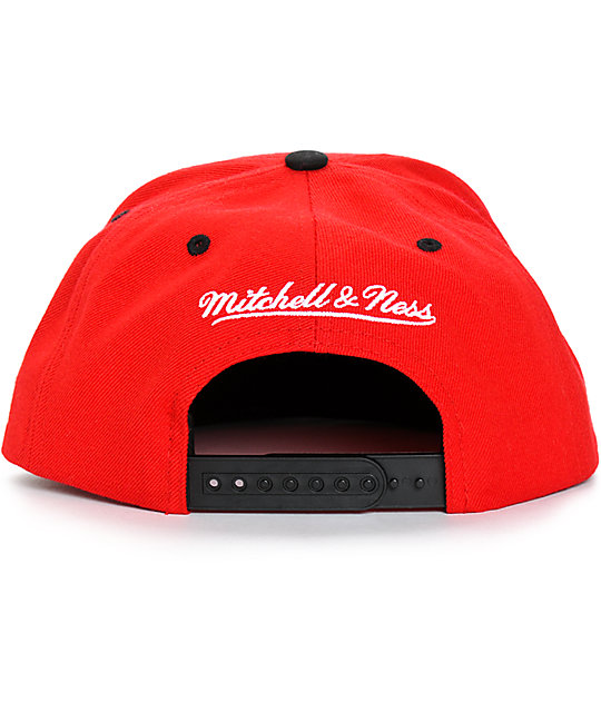 9eea657e675 ... NBA Mitchell and Ness Bulls Crackle Snapback Hat
