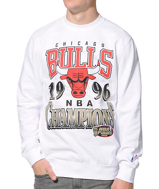 NBA Mitchell and Ness Chicago Bulls Champ White Crew Neck Sweatshirt ... 1d46f724ac17