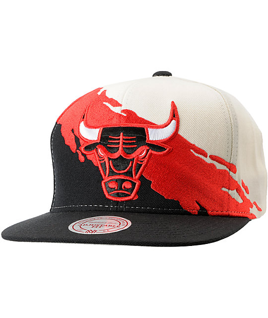 7336c8dae50 NBA Mitchell and Ness Chicago Bulls Paintbrush Snapback Hat