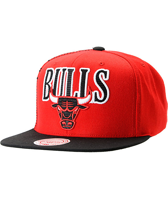 NBA Mitchell and Ness Chicago Bulls Side Logo Snapback Hat