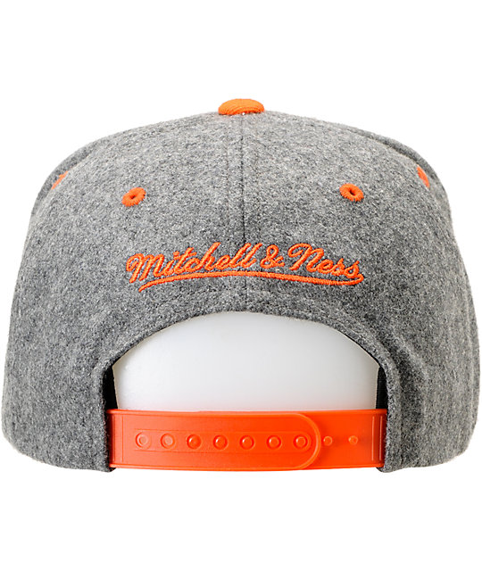 NBA Mitchell and Ness Knicks Melton Script 2Tone Snapback Hat