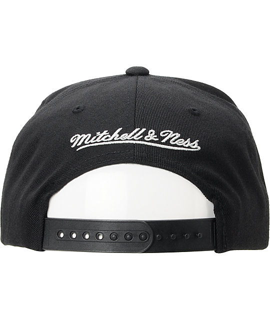 NFL Mitchell and Ness Oakland Black Black Snapback Hat