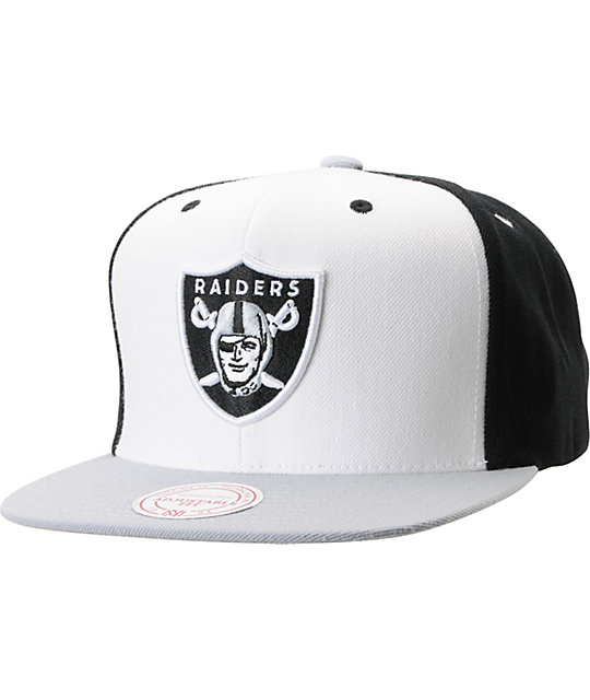 NFL Mitchell and Ness Oakland Raiders Black And White Snapback Hat ... f552b4d9f47
