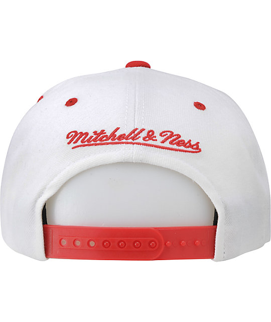 NFL Mitchell and Ness Patriots White Arch Snapback Hat
