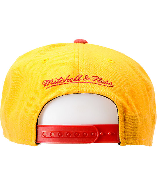 info for 5ce28 d1e0b NFL Mitchell and Ness Redskins Sharktooth Snapback Hat | Zumiez
