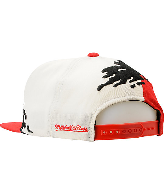 eefe3b92f8d ... NHL Mitchell and Ness Detroit Red Wings Paintbrush Snapback Hat
