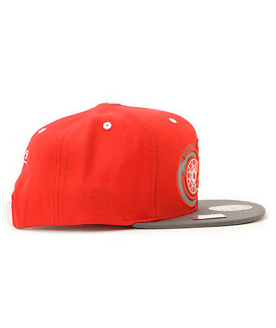 NHL Mitchell and Ness Red Wings XL Reflective Snapback Hat