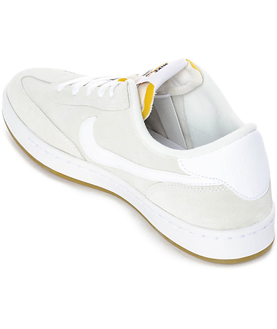 ... Nike SB FC Classic Summit White Skate Shoes ...
