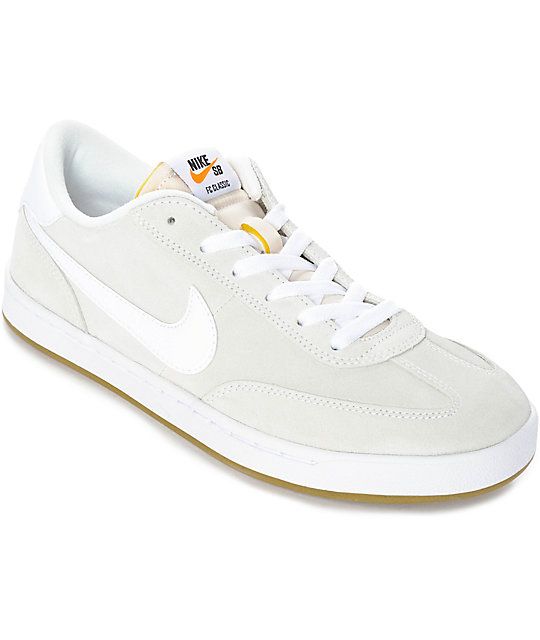 Nike SB FC Classic Mens Skate Shoes  Summit White  6R88A80NJ