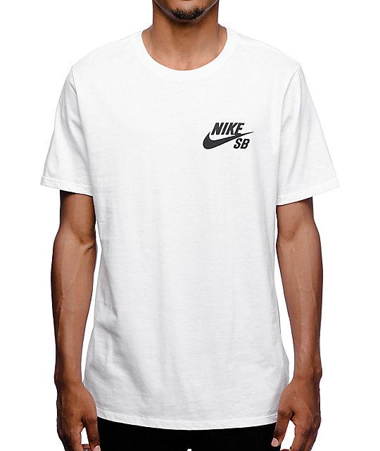 6928995c74896 Nike SB Futura camiseta manga corta en blanco ...