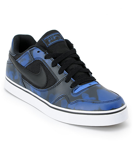 nike shoes black and blue skate