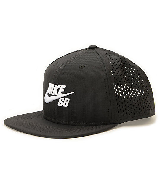 Nike Performance Chapeau