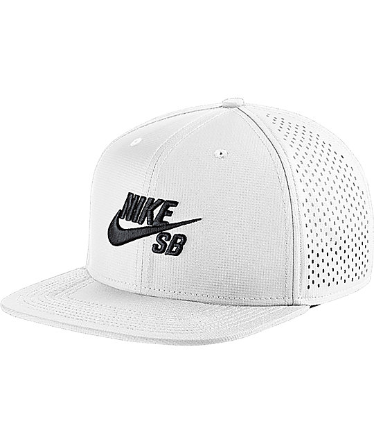 sale retailer 42522 d2629 Nike SB Performance White Trucker Hat   Zumiez.ca