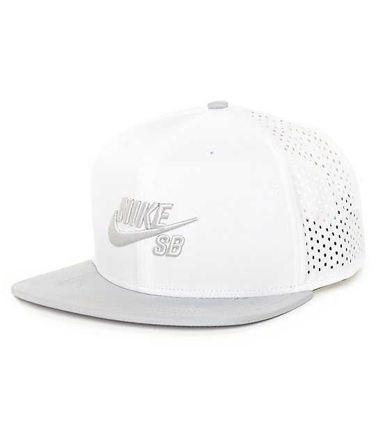 Nike SB Performance White Trucker T-Shirt  ed933dbb366
