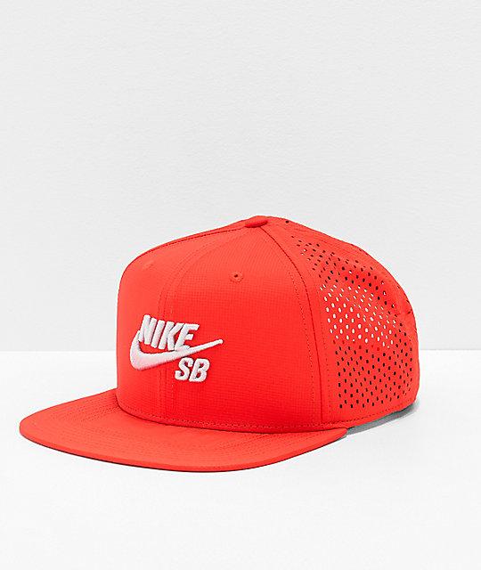 precio de fábrica Calidad superior que buen look Nike SB Performance gorra roja y gris