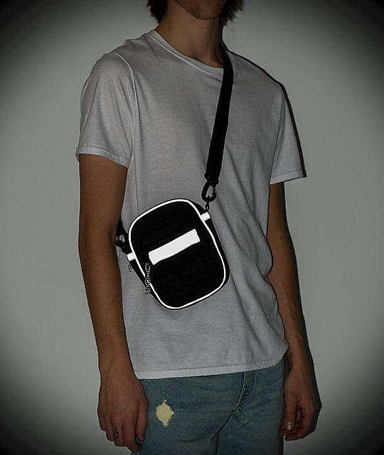 Ninth Hall Equipped bolso de hombro negro