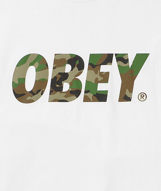Obey Traditional Font Camo camiseta blanca