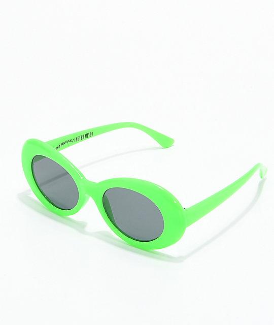 nuevo producto 36f19 ec53f Petals and Peacocks Nevermind gafas de sol verdes