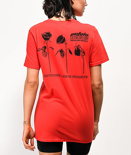 Petals by Petals & Peacocks Dying Rose camiseta roja